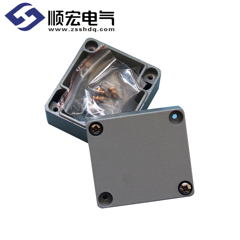 LV0506 铸铝防水接线盒 64*58*326